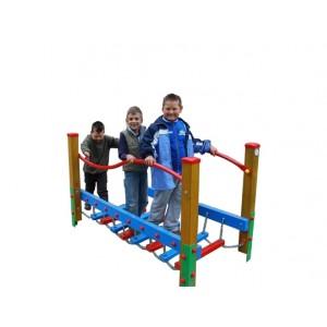 Közterületi játszótér - Láncos egyensúlyozó hajlított korláttal